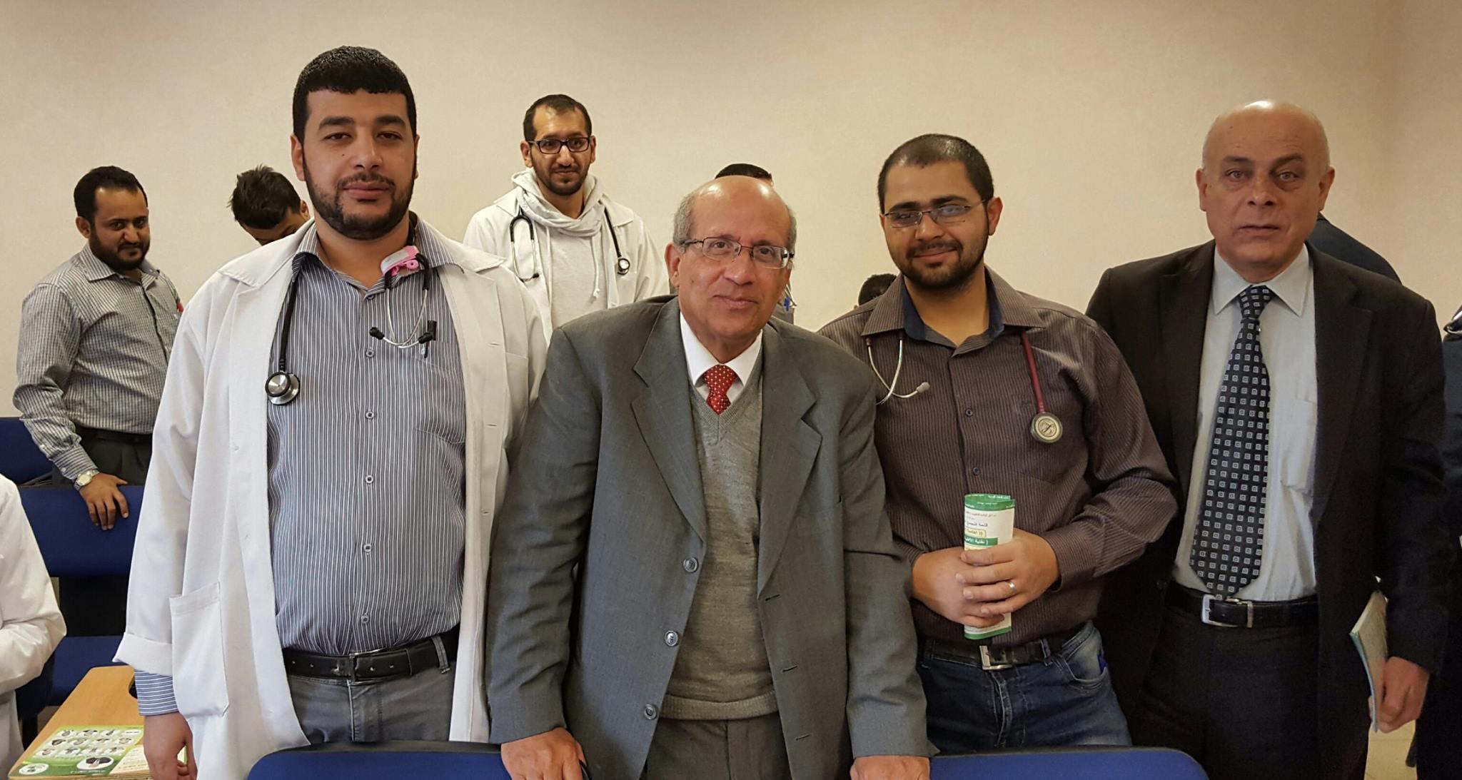 جوله القائمه الخضراء صباح يوم الاثنين 18–4–2016 في اقسام مستشفى البشير